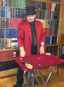 close up magic, magician, Amazing Dave Elstun